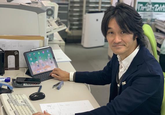 アルファリフォームの副部長 雲雀 功⼀(ひばり こういち Koichi Hibari)入社19年目。大阪エリアのマンション・戸建て・店舗・事務所を専門営業です。