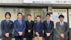 大阪の住宅リフォーム・マンションリフォームを専門に行うアルファリフォームの前田(まえだ Maeda) 、雲雀(ひばり Hibari)、久保⽥(くぼた Kubota)など所属スタッフの写真です。